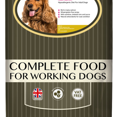 High-quality salmon dog food, with high protein for working dogs chosen by us for its great value bag
